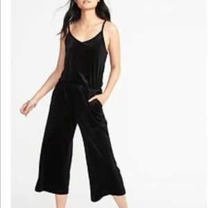 Old navy plus size black jump suit  XXL NWT (36)